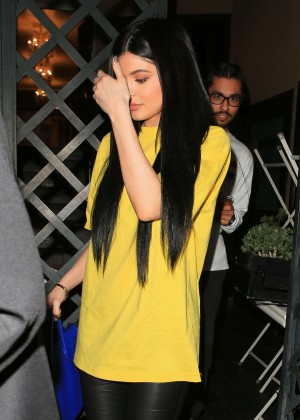 Kylie Jenner - Leaving beauty salon in Hollywood