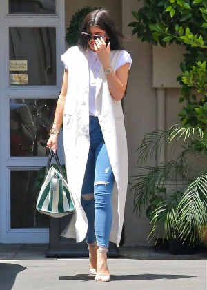 Kylie Jenner - Leaving the doctor's office in Beverly Hills