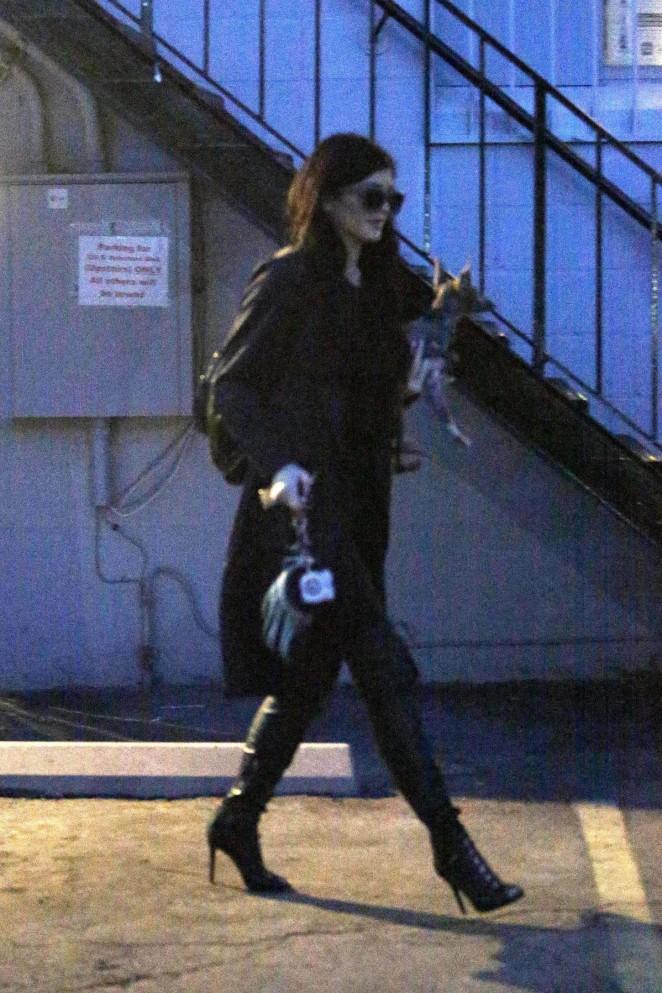 Kylie Jenner – Nail Bar & Beauty Lounge in LA