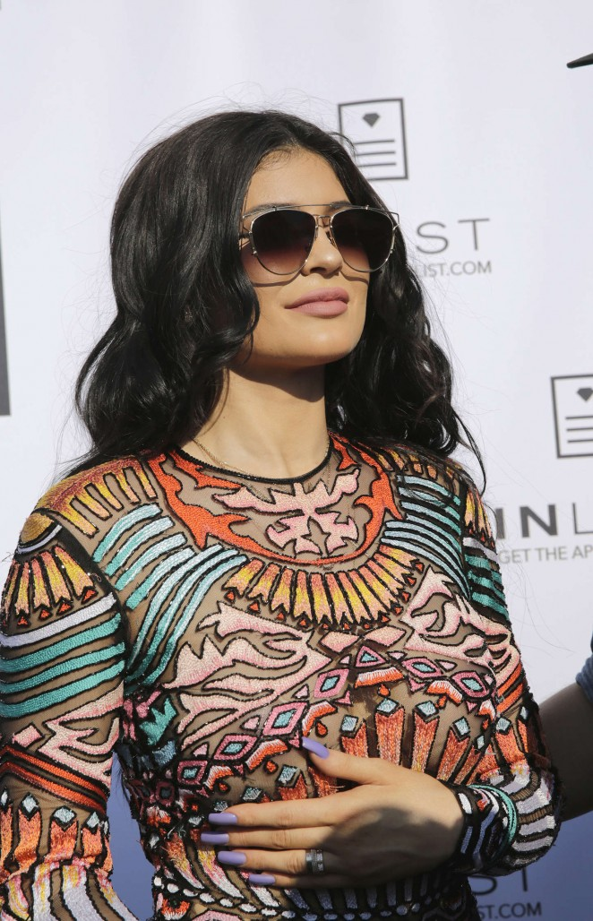 Kylie Jenner Nlist Official 18 Birthday Party at Beach Club 03