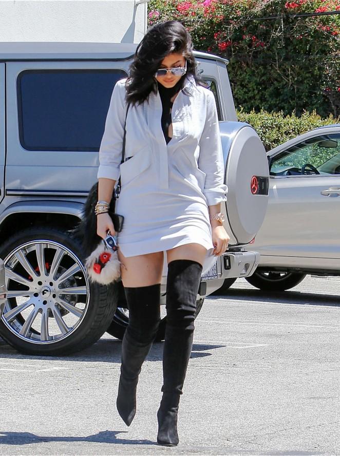 Kylie Jenner 2015 : Kylie Jenner in Mini Dress -03