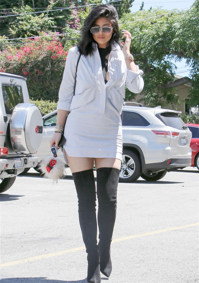 Kylie Jenner 2015 : Kylie Jenner in Mini Dress -04