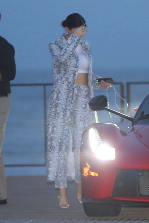 Kylie Jenner: Out for dinner in Malibu -09
