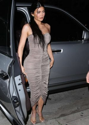 Kylie Jenner - Out for dinner in Santa Monica
