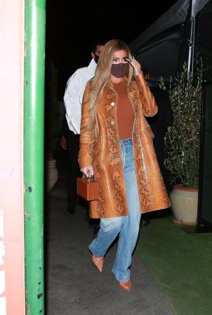 Kylie Jenner - Out for dinner with friends in Santa Monica