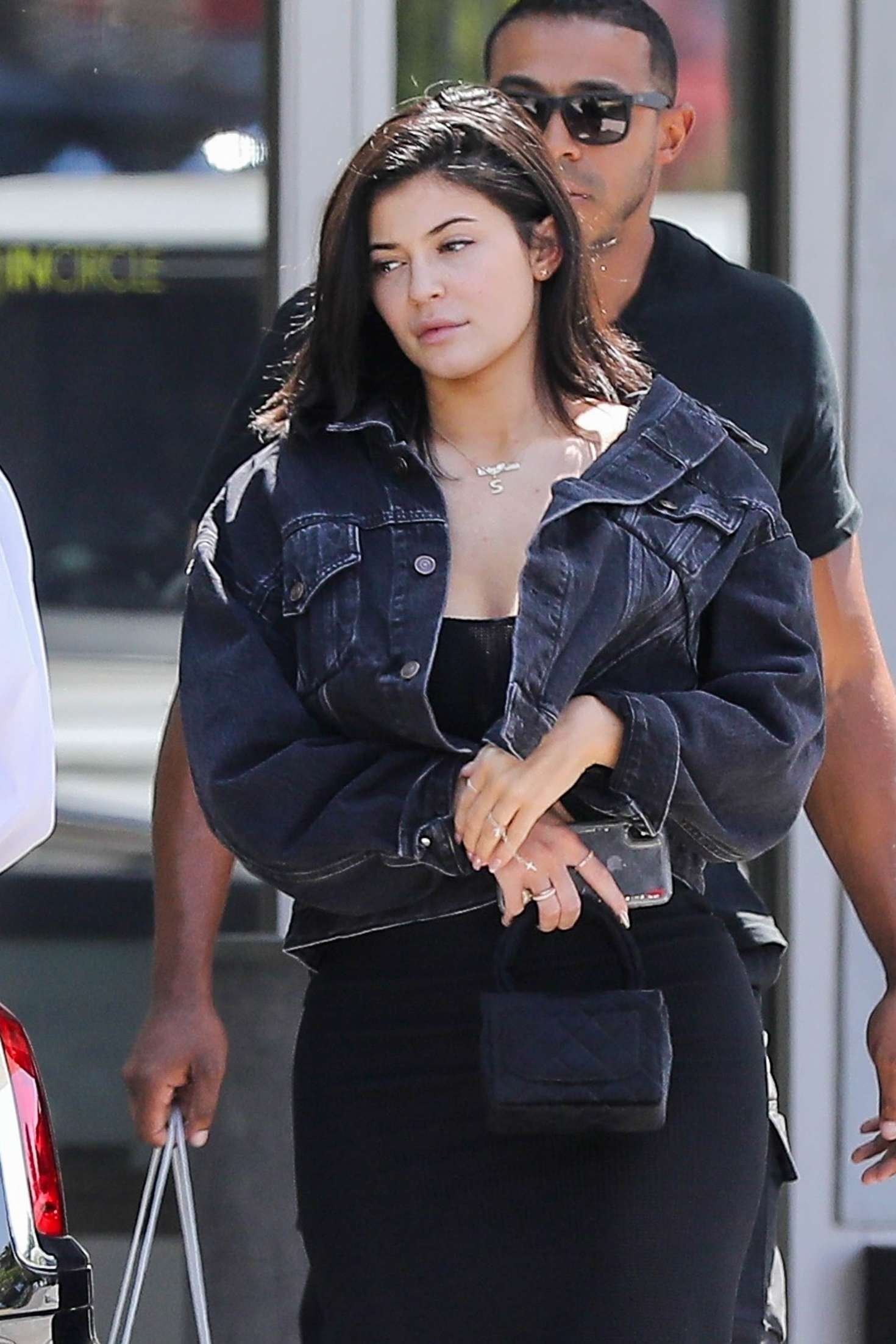 Kylie Jenner – Out in Calabasas