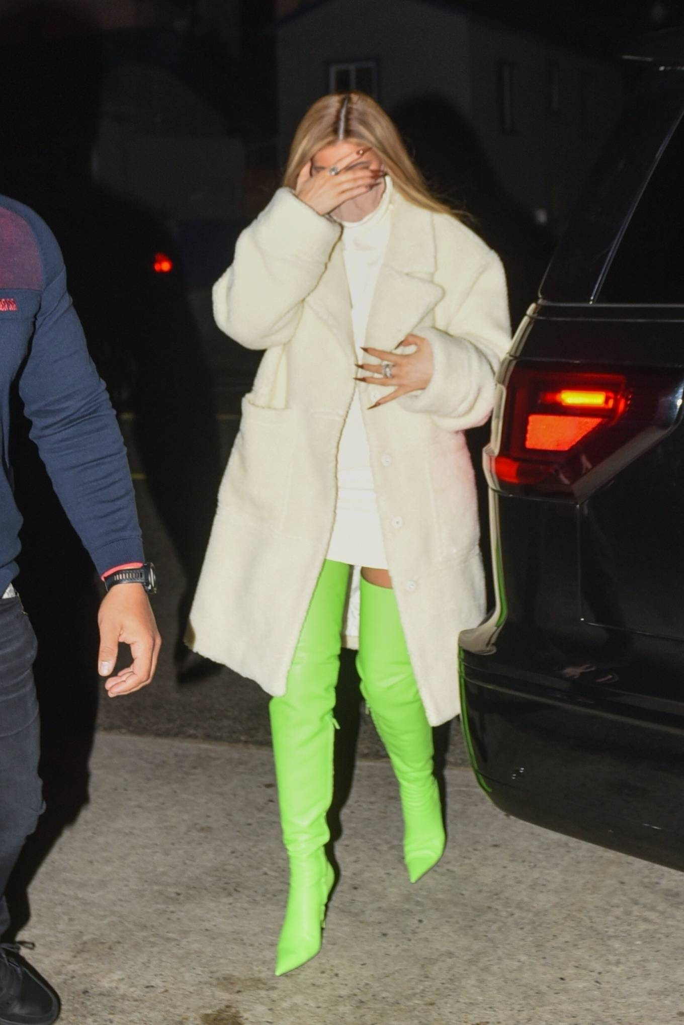 Kylie Jenner - Out with friends in Santa Monica