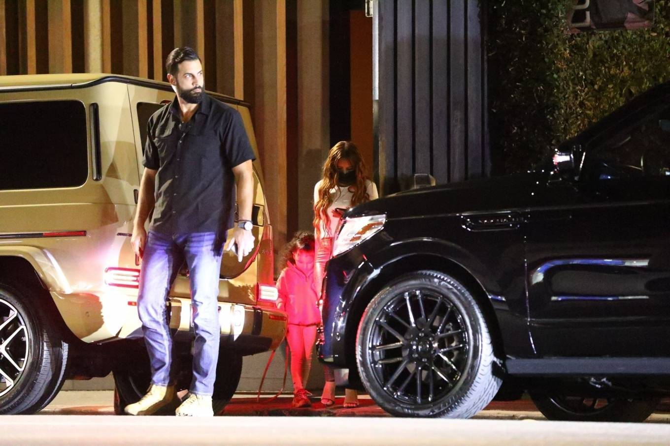 Kylie Jenner 2020 : Kylie Jenner – Out with her friend Yris Palmer at Nobu in Los Angeles-04
