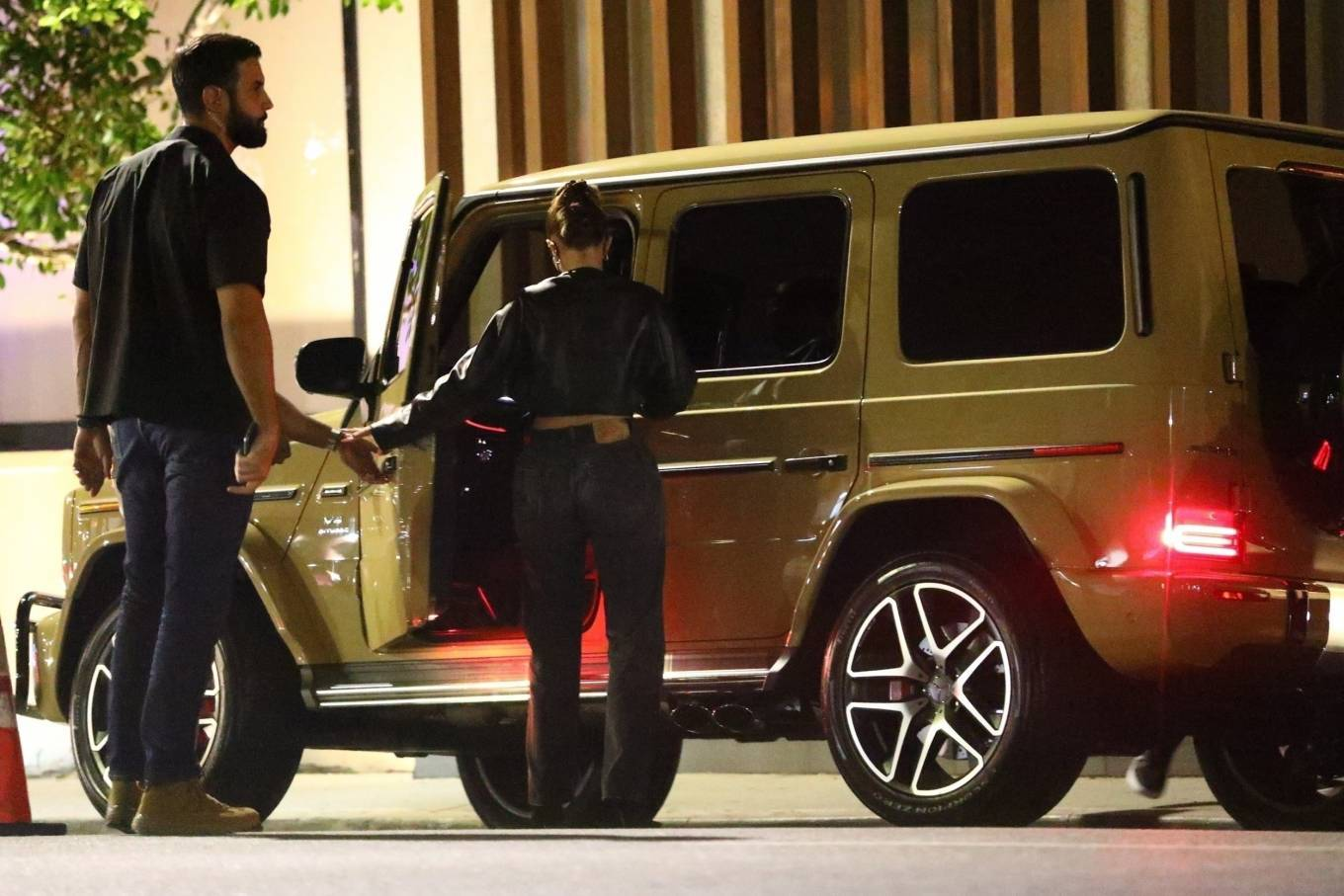 Kylie Jenner 2020 : Kylie Jenner – Out with her friend Yris Palmer at Nobu in Los Angeles-13