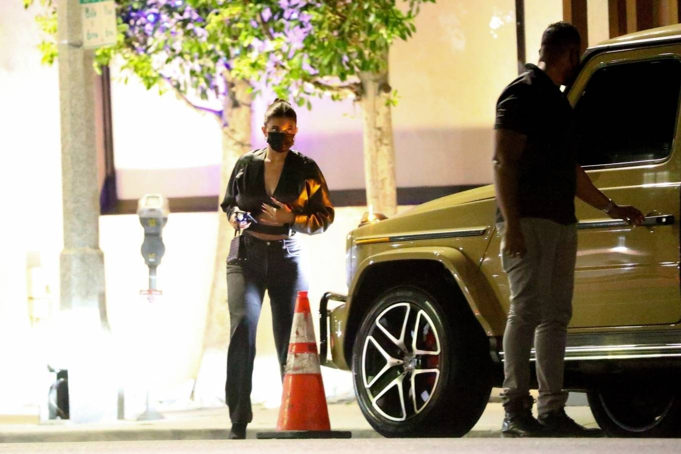 Kylie Jenner 2020 : Kylie Jenner – Out with her friend Yris Palmer at Nobu in Los Angeles-22