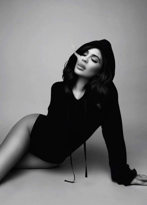 Kylie Jenner: Sasha Samsonova Photoshoot 2016 -01