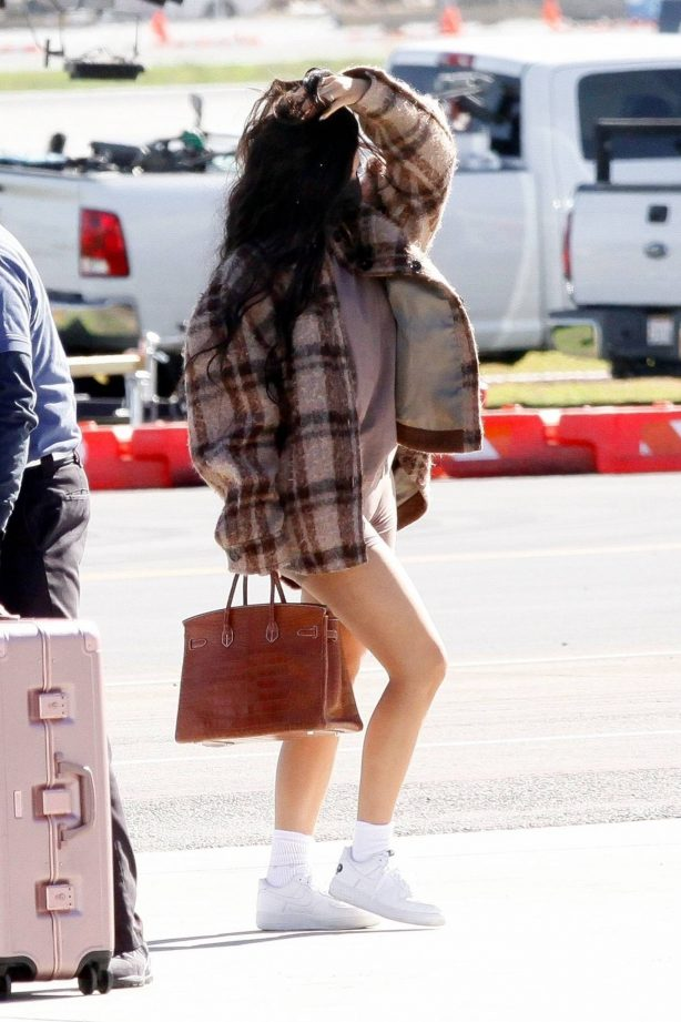 Kylie Jenner - Seen arriving in Los Angeles