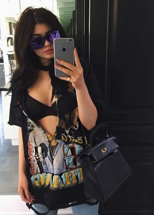 Kylie Jenner - Social Media
