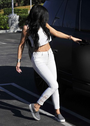 Kylie Jenner in Skinny Jeans Out in LA