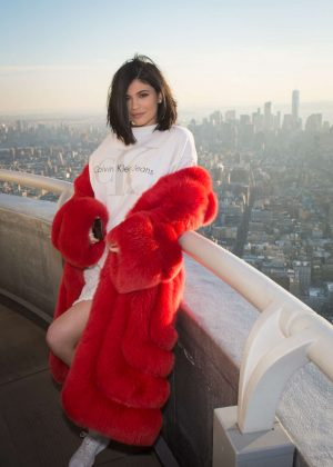 Kylie Jenner - Visiting the Empire State Building in New York City