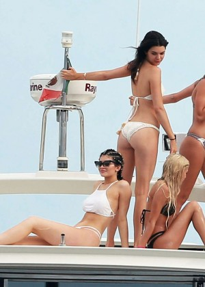 Kylie, Kendall Jenner and Hailey Baldwin: Bikini Candids at Yacht in Mexico-02