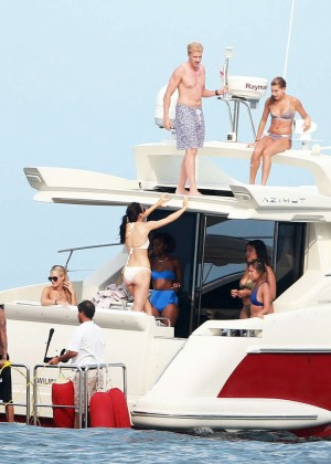 Kylie, Kendall Jenner and Hailey Baldwin: Bikini Candids at Yacht in Mexico-06