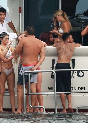 Kylie, Kendall Jenner and Hailey Baldwin: Bikini Candids at Yacht in Mexico-10