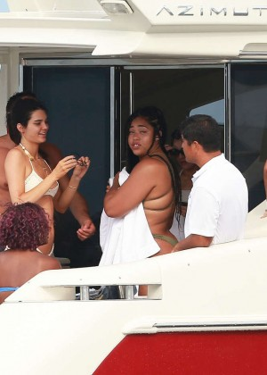Kylie, Kendall Jenner and Hailey Baldwin: Bikini Candids at Yacht in Mexico-20