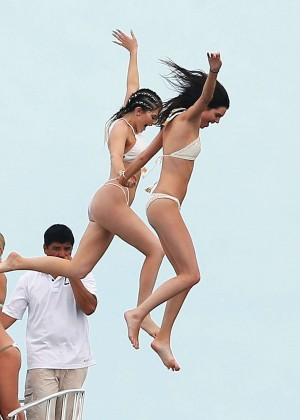 Kylie, Kendall Jenner and Hailey Baldwin: Bikini Candids at Yacht in Mexico-22