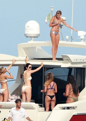 Kylie, Kendall Jenner and Hailey Baldwin: Bikini Candids at Yacht in Mexico-28