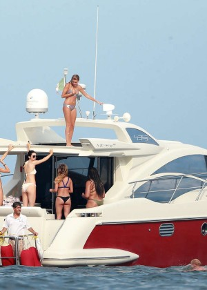 Kylie, Kendall Jenner and Hailey Baldwin: Bikini Candids at Yacht in Mexico-36
