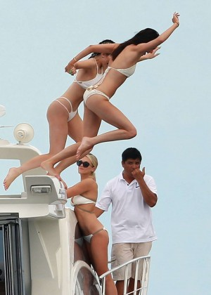 Kylie, Kendall Jenner and Hailey Baldwin: Bikini Candids at Yacht in Mexico-40