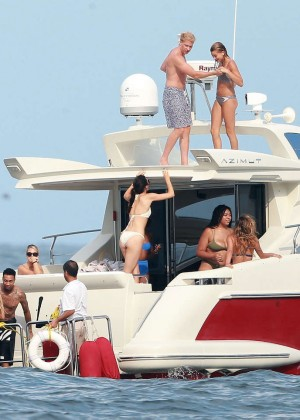Kylie, Kendall Jenner and Hailey Baldwin: Bikini Candids at Yacht in Mexico-41