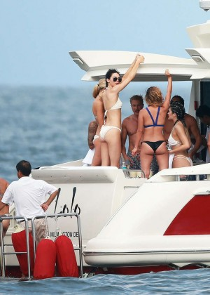 Kylie, Kendall Jenner and Hailey Baldwin: Bikini Candids at Yacht in Mexico-51