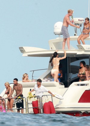 Kylie, Kendall Jenner and Hailey Baldwin: Bikini Candids at Yacht in Mexico-74