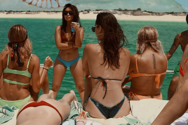 Kylie, Kendall Jenner, Hailey Baldwin and Bella Hadid: In Bikini for Renell Medrano photo diary-01