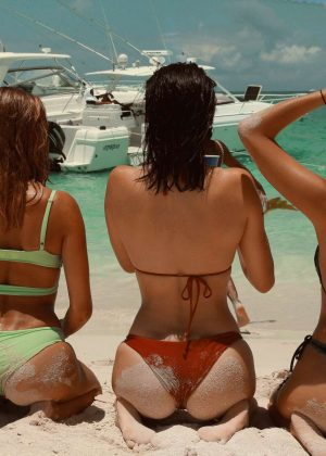 Kylie, Kendall Jenner, Hailey Baldwin and Bella Hadid - In Bikini for Renell Medrano photo diary
