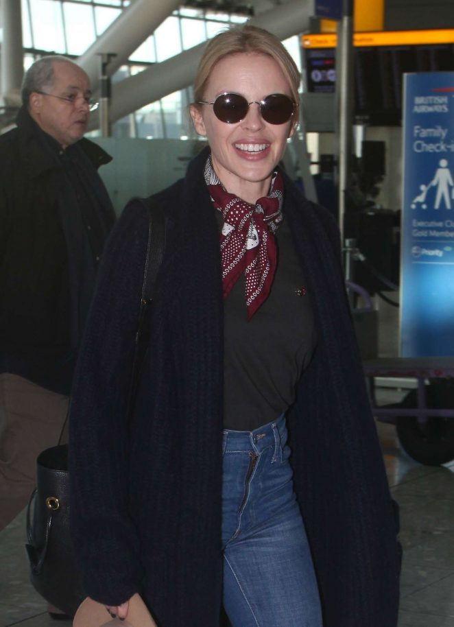 Kylie Minogue – Arrives at Heathrow Airport in London