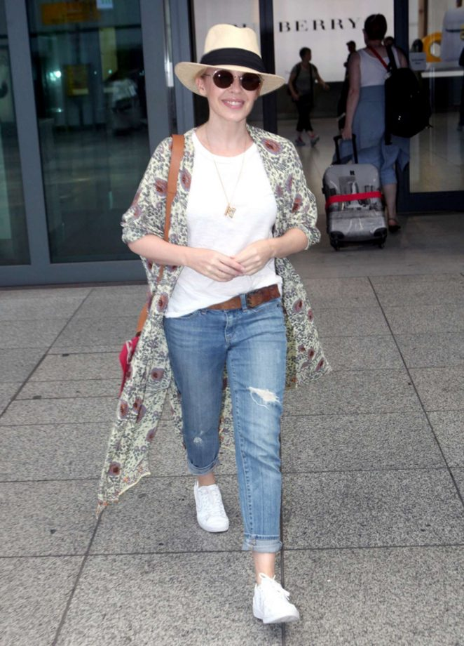 Kylie Minogue: Arrives at Heathrow airport -02