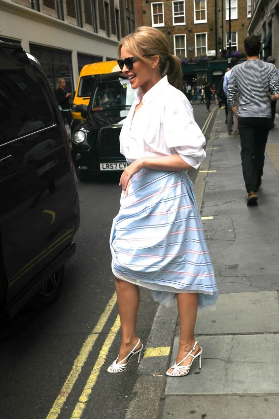 Kylie Minogue 2019 : Kylie Minogue – Arrives at Kiss FM in London-11