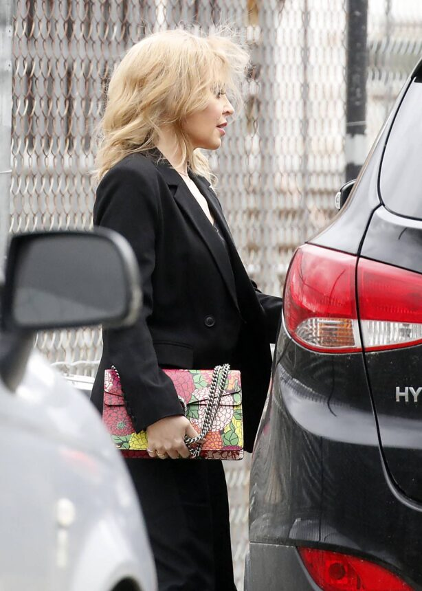 Kylie Minogue - arrives at Risk Sound Recording Studios in Port Melbourne
