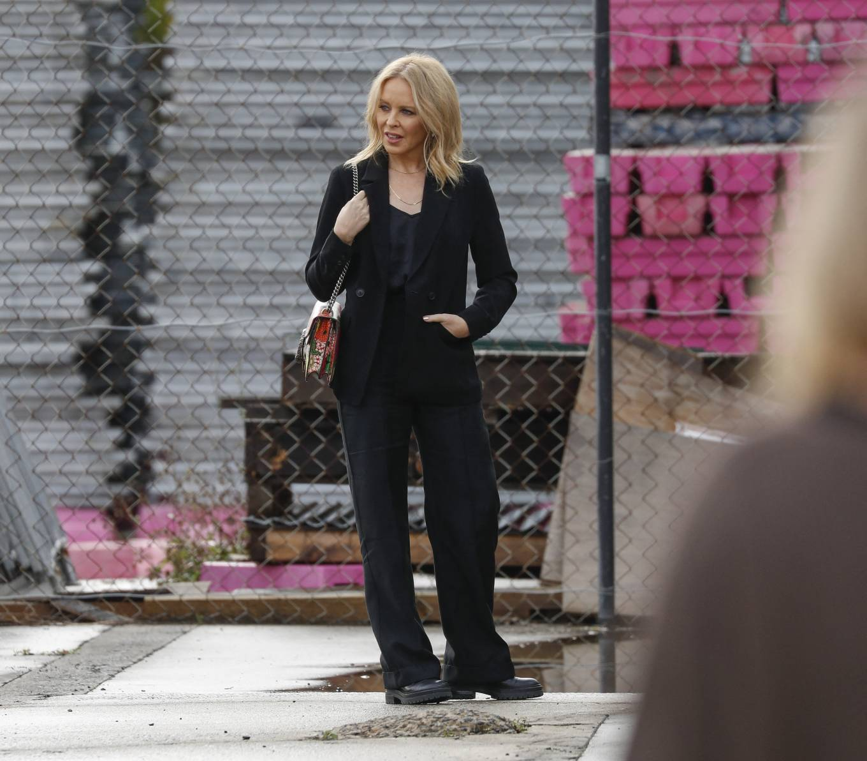 Kylie Minogue 2021 : Kylie Minogue – arrives at Risk Sound Recording Studios in Port Melbourne-12