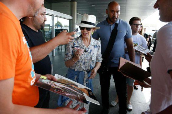 Kylie Minogue – Arriving in Barcelona-06