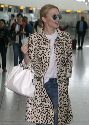 Kylie Minogue - Heathrow Airport in London