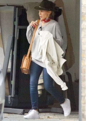 Kylie Minogue Leaves her House in London