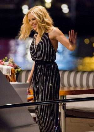 Kylie Minogue - Leaves the Qatar Airways Event in Sydney