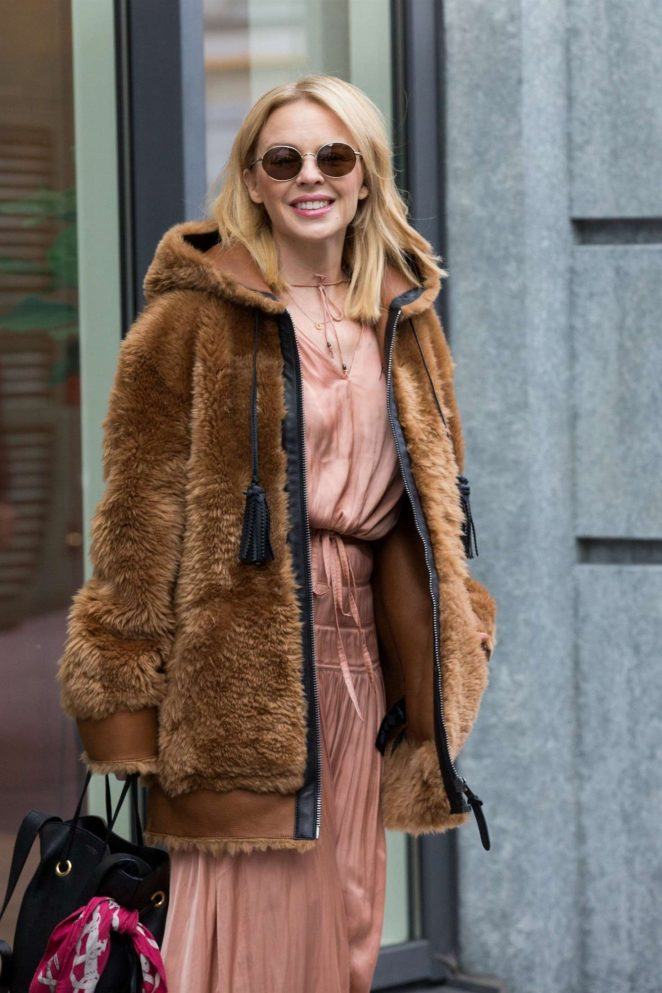 Kylie Minogue - Leaving her hotel in Brussels