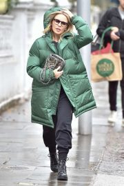 Kylie Minogue - Out in London