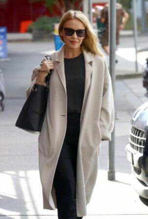 Kylie Minogue - Out in Melbourne