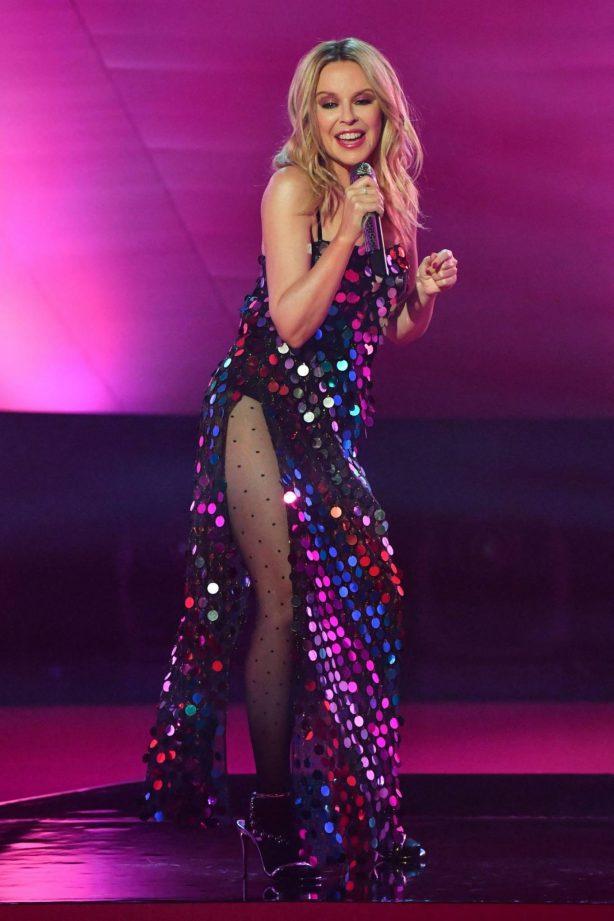 Kylie Minogue - Performing at Graham Norton Show