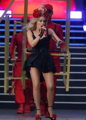 Kylie Minogue: British Summer Time Festival 2015 -02