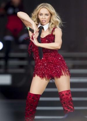 Kylie Minogue: British Summer Time Festival 2015 -30