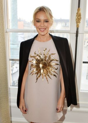 Kylie Minogue - Schiaparelli Show SS 2017 in Paris