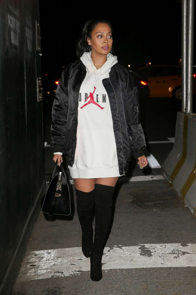 La La Anthony heading to the New York Knicks game in NYC