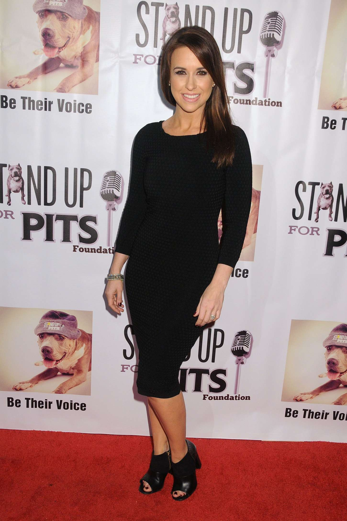 Lacey Chabert 2015 : Lacey Chabert: Stand Up For Pits Comedy Benefit -08